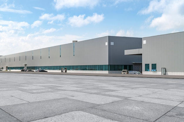 Moderne fabrieksgebouwen en pakhuizen