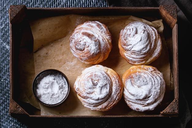 Moderne gebakjes cruffins