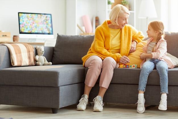 Moderne grootmoeder