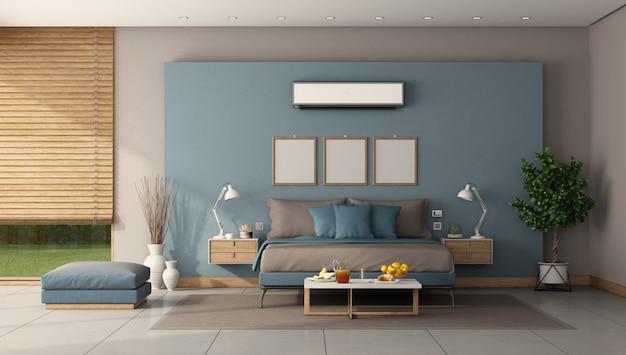 Moderne hoofdslaapkamer met minmalist tweepersoonsbed en airconditioning