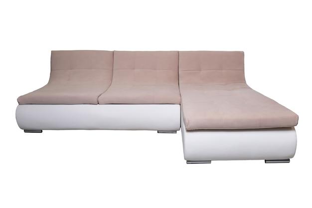 Moderne lederen bank met beige stoffen kussens geïsoleerd, vooraanzicht. eigentijdse bank, meubels in minimale stijl, interieur, huisontwerp