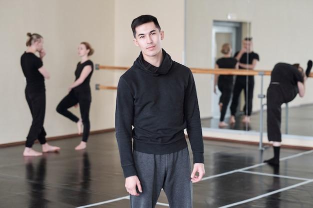 Moderne mannelijke danser portret
