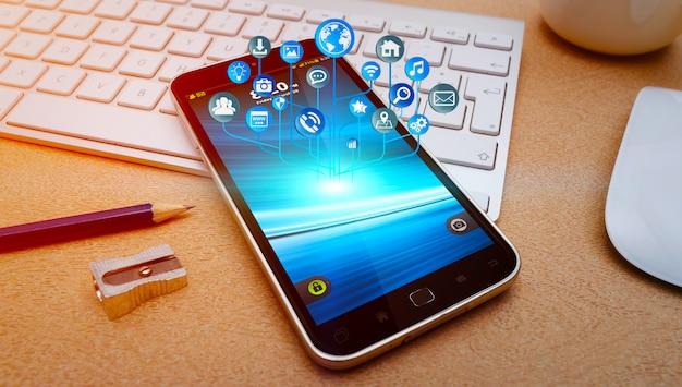 Moderne mobiele telefoon met pictogrammen die over vliegen