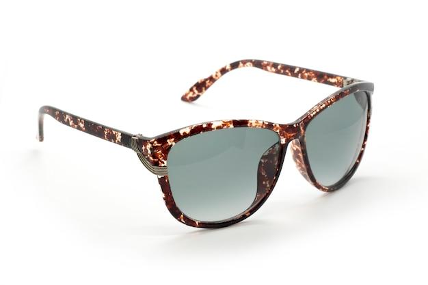 Moderne modieuze zonnebril geïsoleerd op een witte achtergrond, glasses