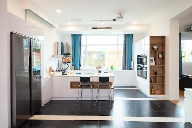 Moderne open keuken in decoratiestijl