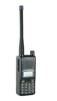 Moderne professionele walkie-talkie die op wit wordt geïsoleerd.