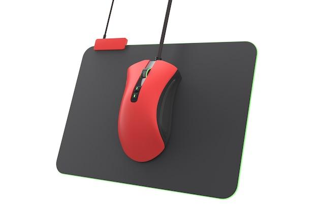 Moderne rode gamingmuis op professionele pad geïsoleerd op wit met uitknippad