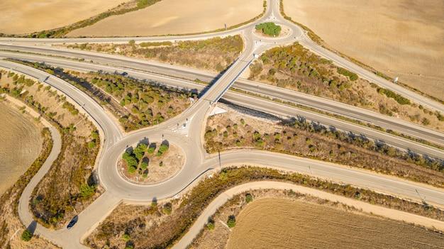 Moderne snelweg genomen door drone
