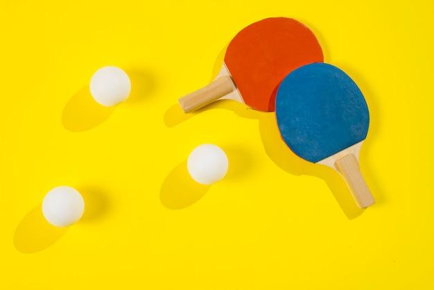 Moderne sportsamenstelling met pingpongelementen