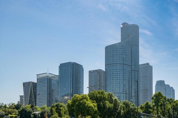 Moderne stedelijke architectuur in de nieuwe stad van qianjiang, china, hangzhou