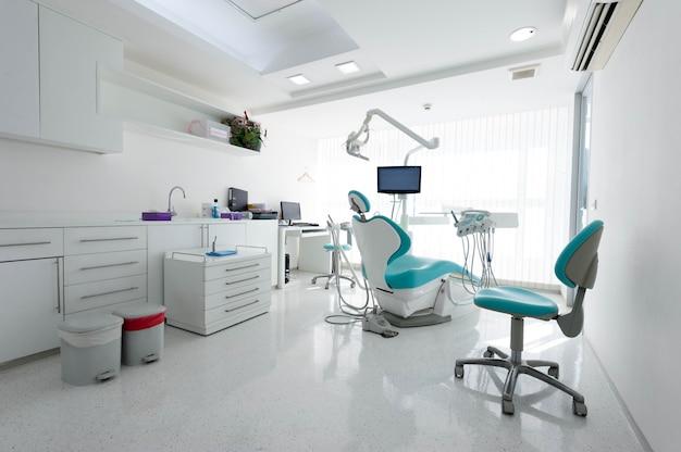 Moderne tandheelkundige kast