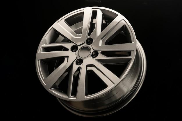 Modieus modern lichtmetalen velg voor auto, grijze kleur