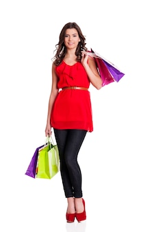 Modieuze vrouw op het winkelen