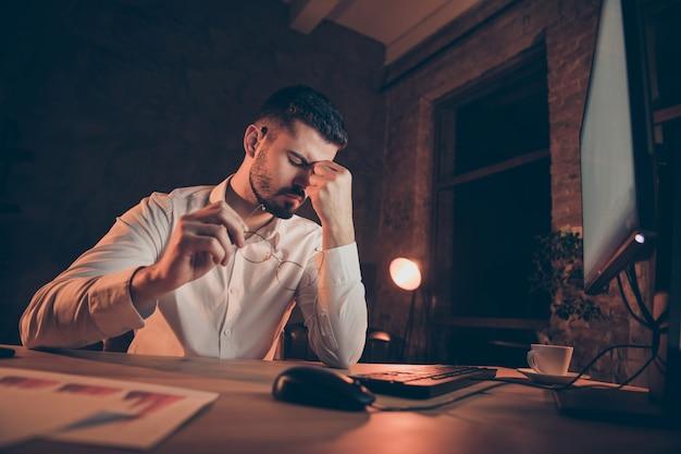 Moe zakenman met migraine