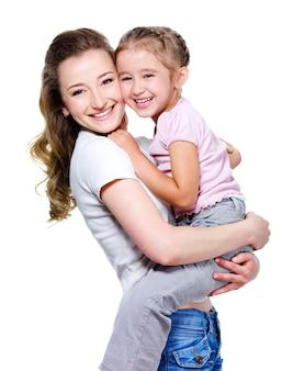 Moeder die dochtertje houdt