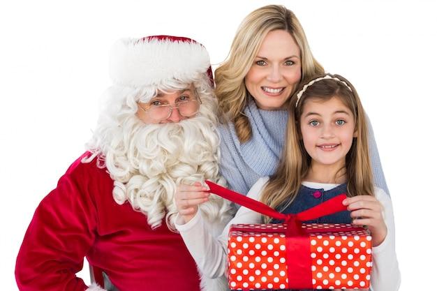 Moeder en dochter met de kerstman