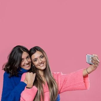 Moeder en dochter nemen selfie
