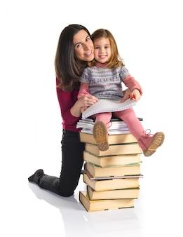 Moeder en dochter samen studeren. terug naar school