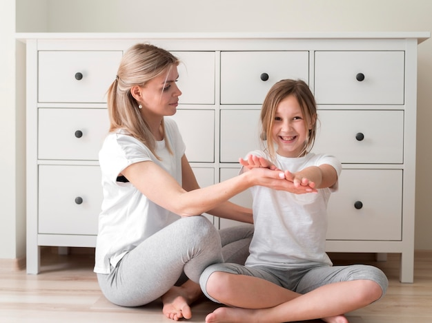 Moeder en meisjessportpraktijk