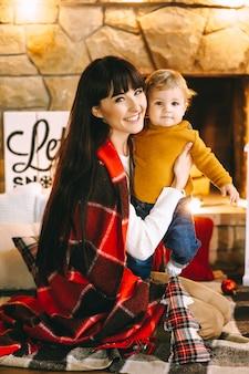 Moeder en zoon kerstmis