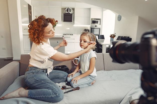 Moeder met dochter schiet een beautyblog