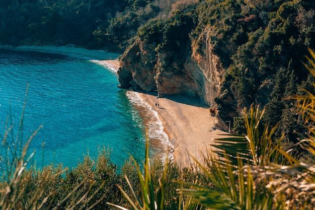 Mogren-strand in budva, montenegro