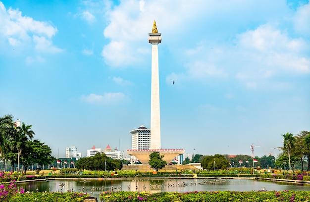 Monas, het nationaal monument in jakarta, de hoofdstad van indonesië