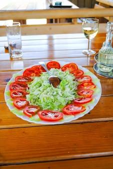 Montenegro tara toura een geweldige lunch met heerlijke gerechten