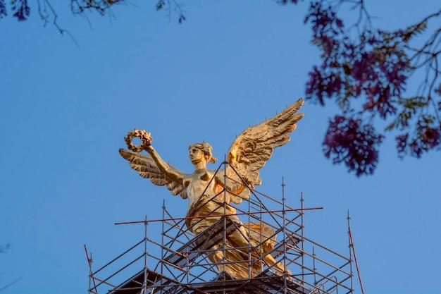 Monument van de engel van onafhankelijkheid op de avenida reforma in mexico-stad