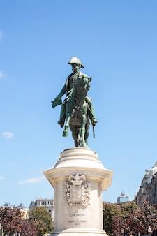 Monument van koning peter porto