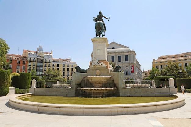 Monument voor philip iv van spanje, madrid, spanje