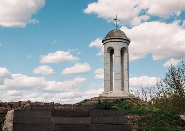 Monument voor soldaten die vielen in de tweede wereldoorlog