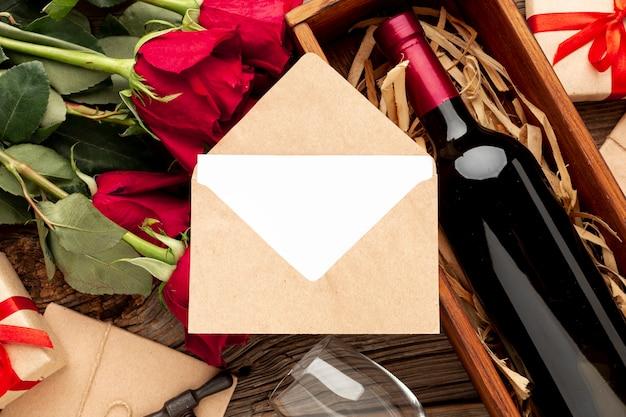 Mooi assortiment voor valentijnsdag diner met envelop