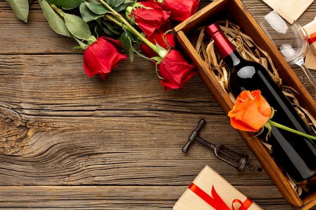 Mooi assortiment voor valentijnsdag diner met kopie ruimte