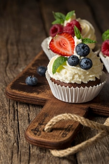 Mooi en lekker dessert op snijplank