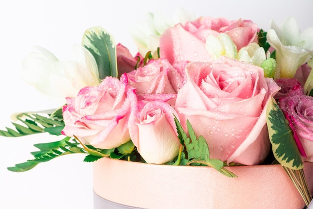 Mooi en teder boeket bloemen