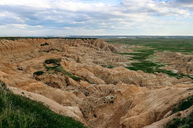 Mooi hoog hoekschot van het nationale park van badlands, zuid-dakota, de vs