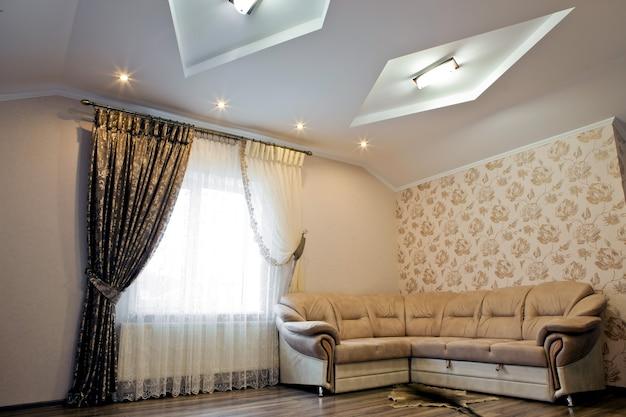 Mooi interieur van een woonkamer met bank. achtergronden