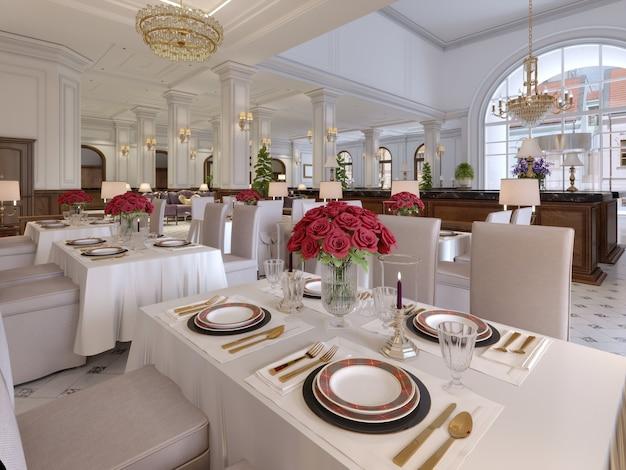Mooi interieur van het restaurant in een modern hotel met witte stoffen tafels en zachte stoelen, serveertafels met levende rozen. 3d-rendering