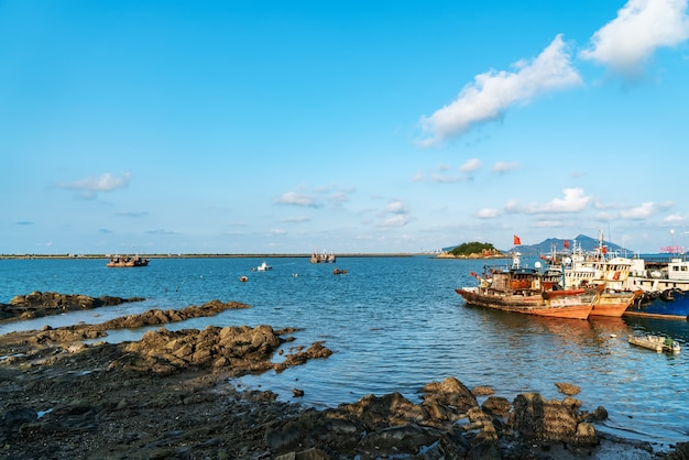 Mooi kustlijnlandschap van lianyungang, jiangsu, china