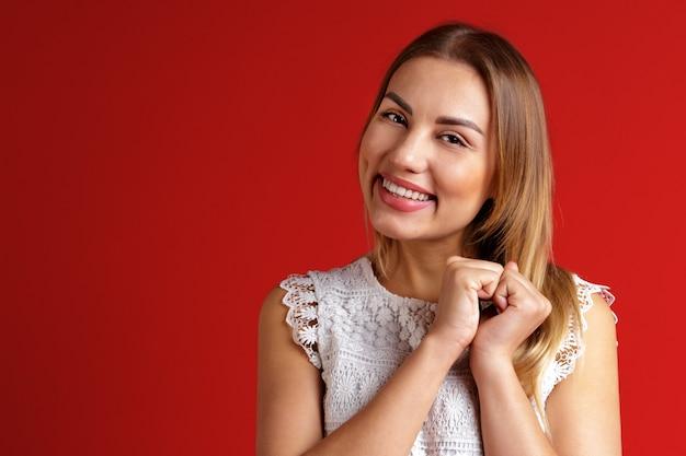 Mooi lachend meisje