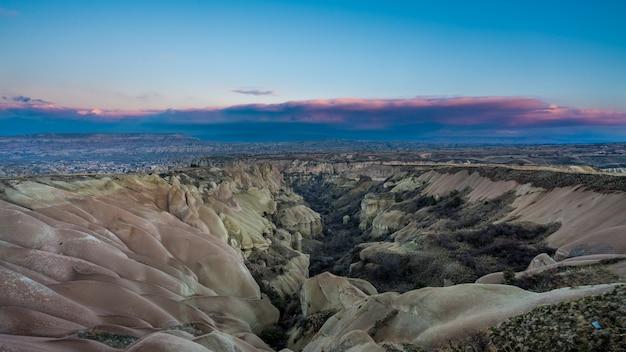 Mooi landschap in goreme, cappadocia, turkije