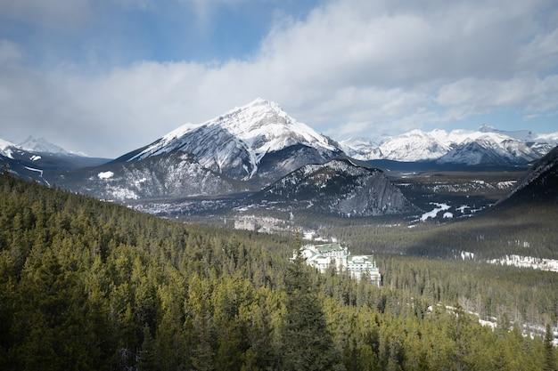 Mooi landschap in het nationaal park van banff in de winter, het nationale park van banff, alberta, canada