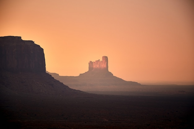 Mooi landschap van mesas in monument valley, arizona - vs.