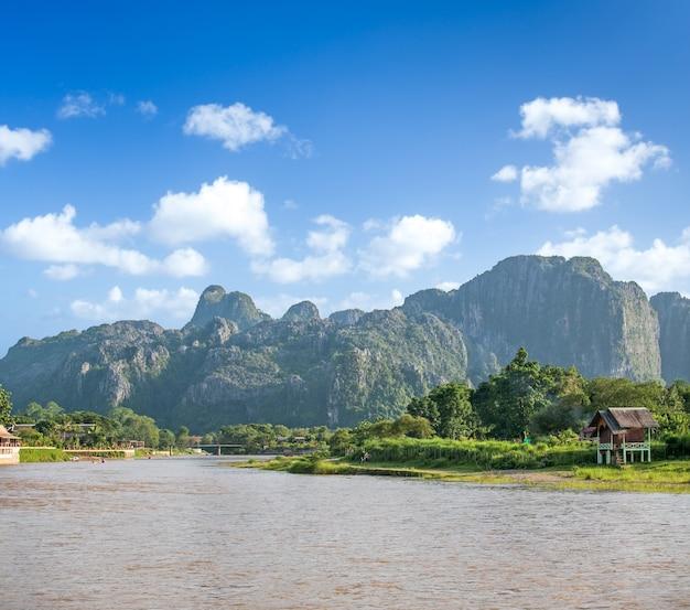 Mooi landschap van vang vieng, laos