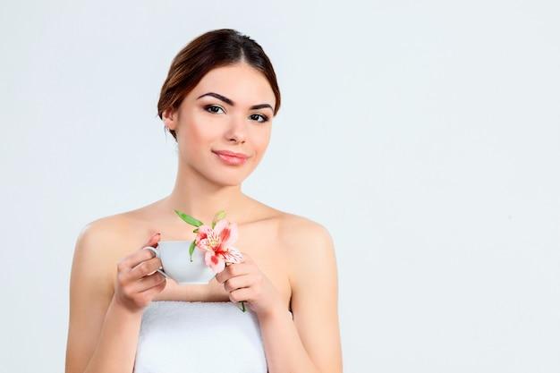 Mooi meisje met mooie make-up, jeugd en huidverzorging concept