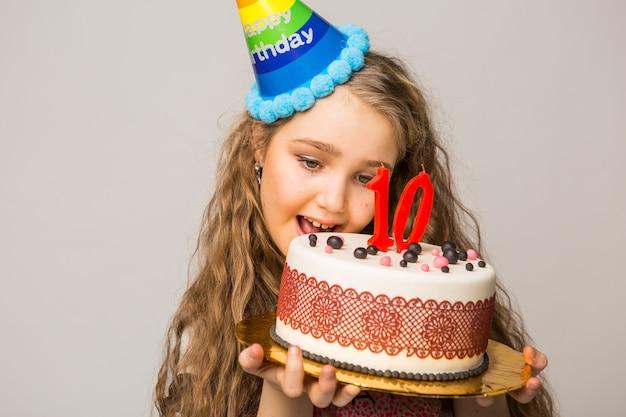 Mooi meisje viert tien jaar verjaardag
