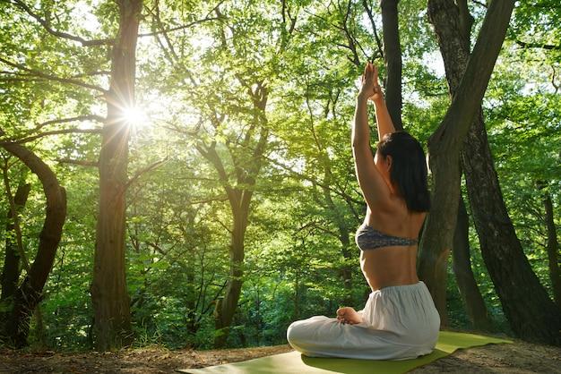 Mooi portret van yoga