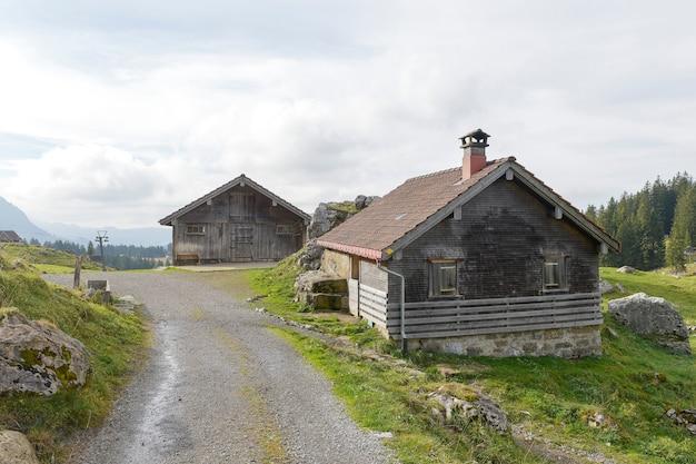 Mooi uitzicht op vallei berg saentis, zwitserland