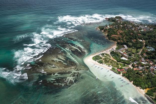 Mooi weligama-strandlandschap in sri lanka
